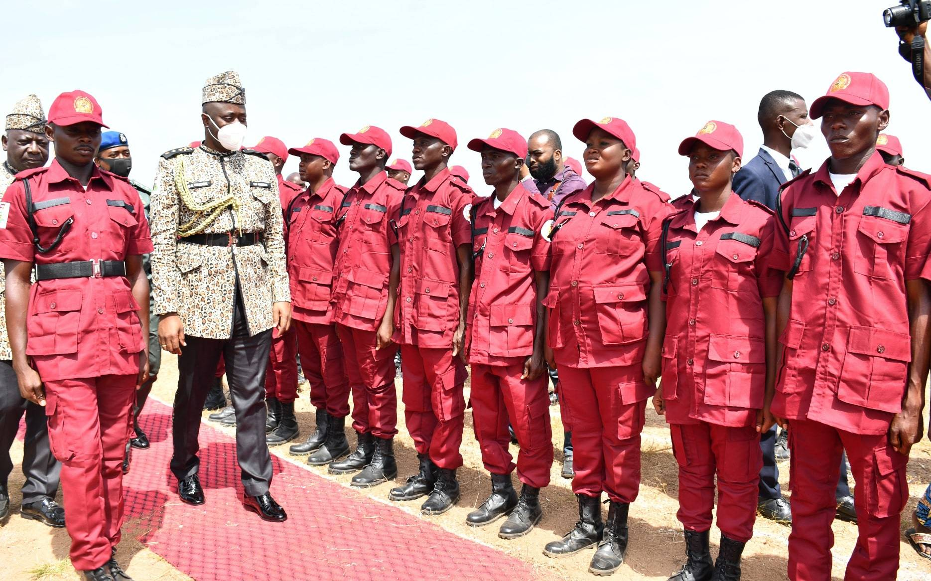 Oyo State Governor, Engr. Seyi Makinde (second right), inspecting the pioneer Corps of the Oyo State Security Network Agency (Amotekun Corps), during their passing-out ceremony held at the Emmanuel Alayande College of Education, Oyo. PHOTO: Oyo State Government