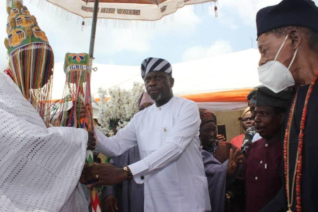 Makinde Presents Staff of Office to Olu of Igbo-Ora